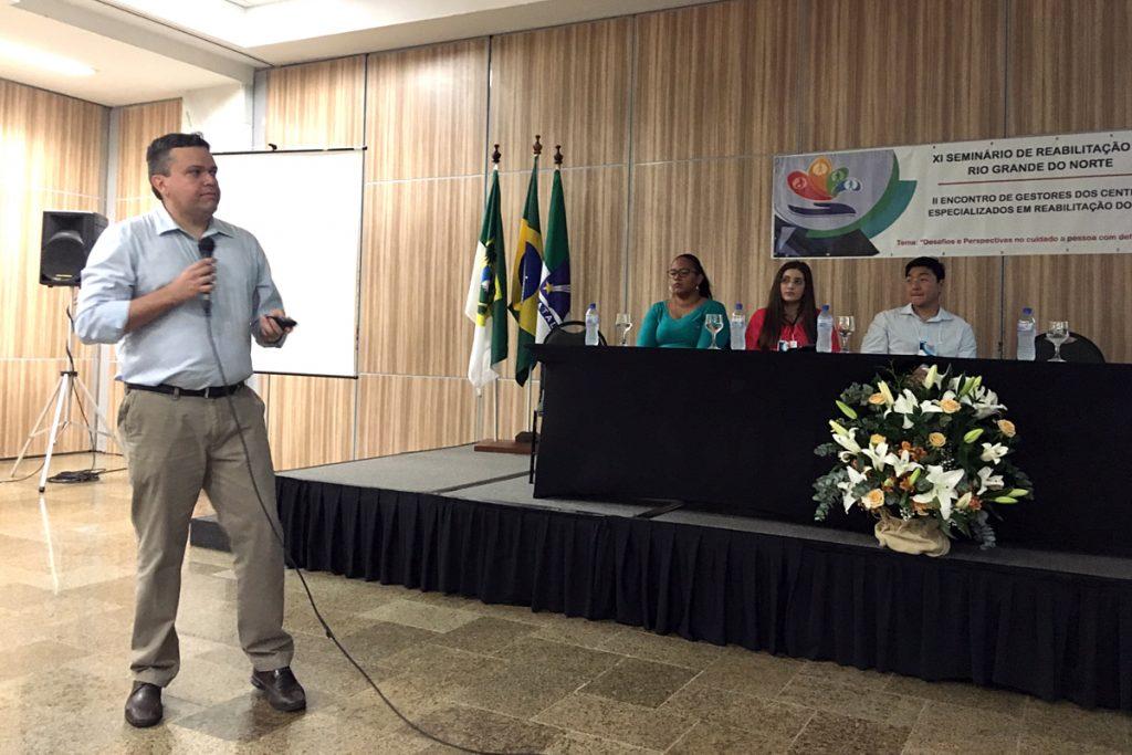 Palestra de Ãngelo Raimundo, neurologista do CEPS/ISD.