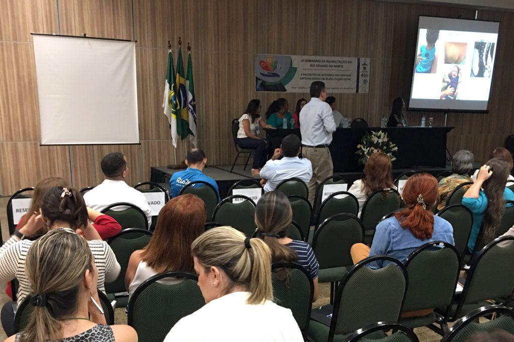 Público na palestra de Ãngelo Raimundo