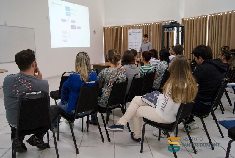 Informações práticas sobre o curso. Foto: Ariane Mondo/Ascom ISD