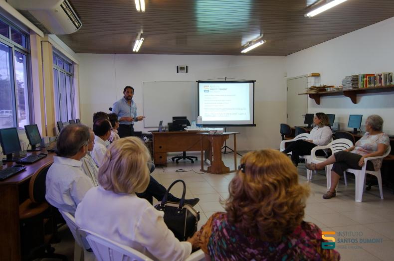 Reginaldo Freitas Júnior faz apresentação sobre o ISD para a comitiva do Sistema Fecomércio RN e empresários de Macaíba.