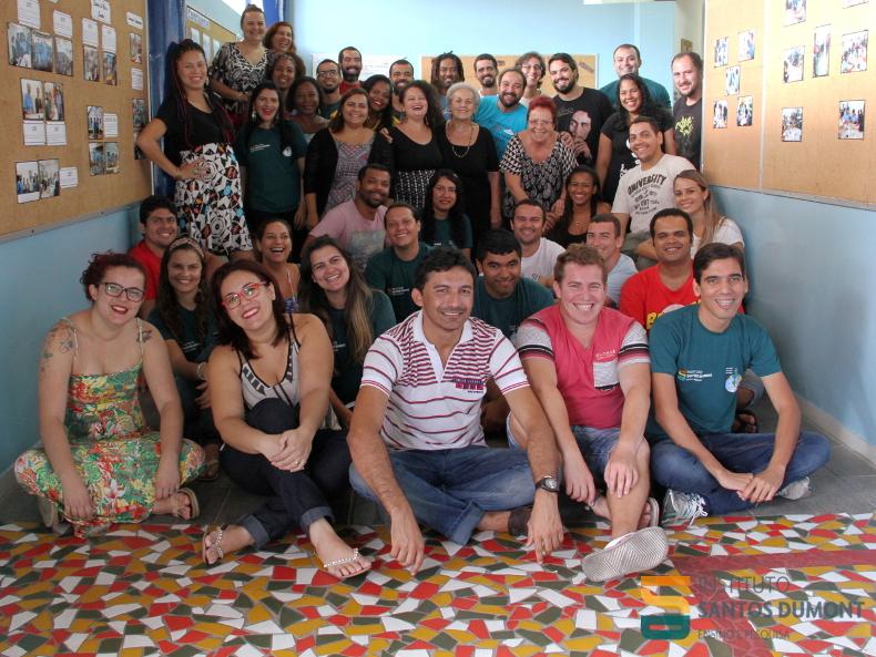Educadores de todas as unidades dos CECs após duas semanas de formação inicial.