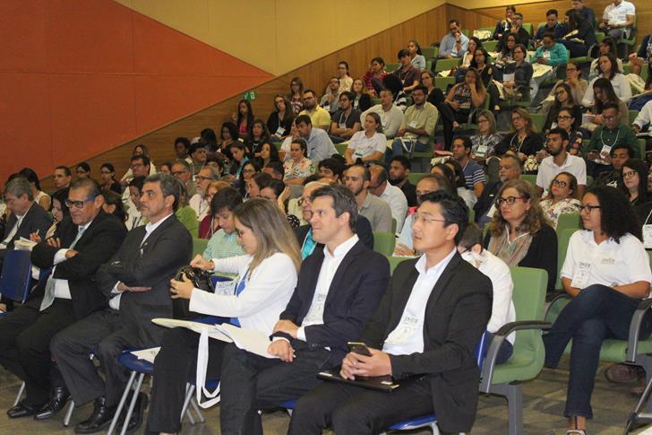 Público presente no ENEIS.